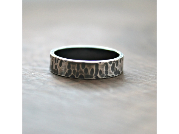 Enzo Bands: Men's Masculine, Rustic & Personalized Ring