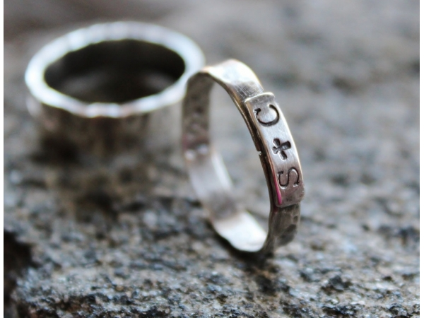 Prsonalized couples ring