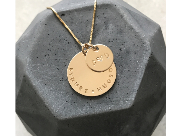 personalized round gold necklace