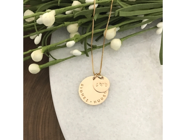personalized gold names necklace