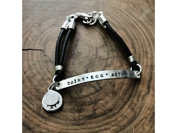 mens and women's medic alert bracelet