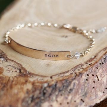 skinny gold bar bracelet
