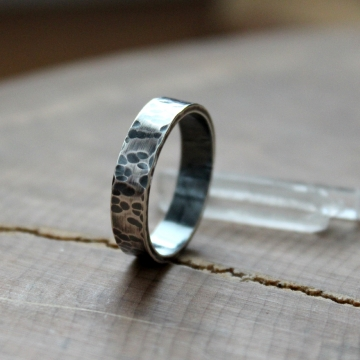 Men's Rustic & Personalized Ring, Hammered, Rugged & Oxidized, Simple Wedding Band, Masculine Ring - Enzo Ring